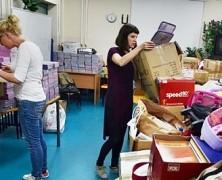 Nie jest kolorowo | Pakowanie zebranych darów